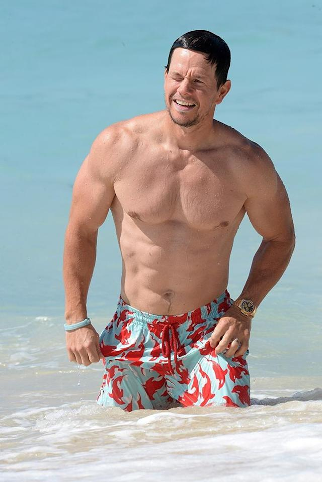 <p>The actor showcased his fit physique on New Year's Day while on vacation with his family in Barbados. (Photo: Backgrid)<br><br></p>