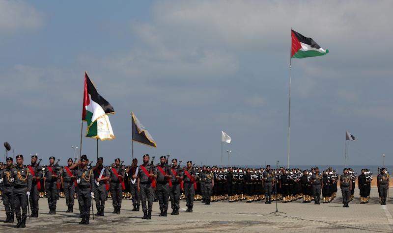 Members of the Palestinian Hamas security forces take part in a graduation ceremony in Gaza City on June 16, 2015 (AFP Photo/Mahmud Hams)