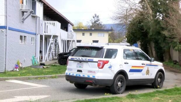 RCMP officers in Duncan, B.C., were at the Falcon Nest Motel on Saturday investigating the death of a child the night before.   (CHEK News - image credit)