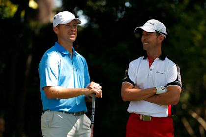 Sammy Schmitz chats with former Masters champ Mike Weir. (Getty Images)