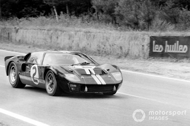 """#2 Shelby American Inc. Ford Mk II: Bruce McLaren, Chris Amon <span class=""""copyright"""">LAT Images</span>"""