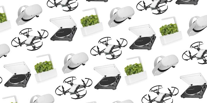 """<p>Pretty much every single item in your day-to-day life has a high tech equivalent in this day and age. Looking to grow some plants in your one bedroom apartment? Bad posture <a href=""""https://www.townandcountrymag.com/style/home-decor/g34865538/best-work-from-home-essentials/"""" rel=""""nofollow noopener"""" target=""""_blank"""" data-ylk=""""slk:because of a year or more of WFH?"""" class=""""link rapid-noclick-resp"""">because of a year or more of WFH?</a> There's an app for that.</p><p>And whether you're related to a tech lover or married to a gadget guru, the truth is, your loved ones deserve better than a generic gift card. Yes, a thoughtful gift is always better than a trip to the electronics store. Since most <a href=""""https://www.townandcountrymag.com/style/g28843899/weekly-covet-august-30-2019/"""" rel=""""nofollow noopener"""" target=""""_blank"""" data-ylk=""""slk:technology lovers"""" class=""""link rapid-noclick-resp"""">technology lovers</a> are already equipped with the basics, we've done the heavy lifting for you here. From a water bottle that tracks your hydration levels to yoga pants that are capable of guiding you through your downward dogs and your morning flow—not to mention the latest iPhone and iPad—we've gathered a comprehensive list of techie gifts, no matter who you're shopping for. <br></p>"""