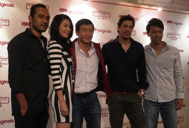 Chin Han (centre) and the cast of 'Serangoon Road' (Yahoo! photo)