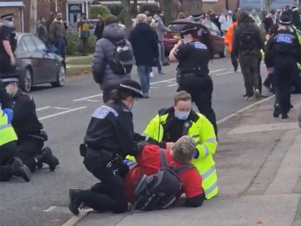 <p>Anti-lockdown protesters were arrested by police in Basildon yesterday afternoon.</p> (@outsider63)