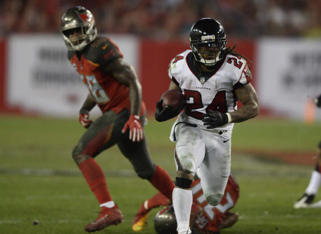 Falcons running back Devonta Freeman totaled a season high 194 yards from scrimmage in Atlanta's 24-21 win over the Bucs. (AP Photo/Jason Behnken)