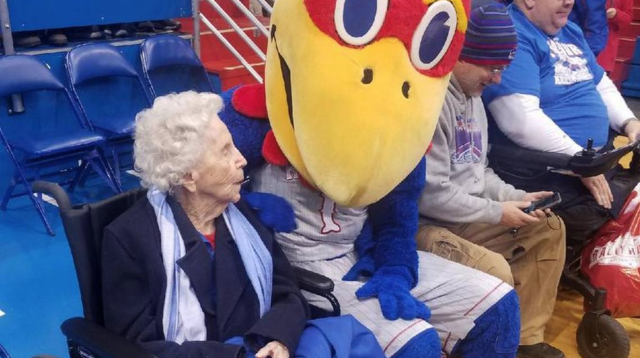 Ruby White meets a fan at KU. (Via KCStar)