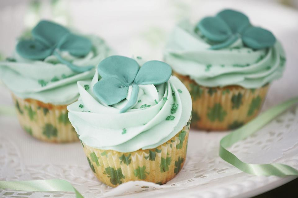 """<p>Looking for a way to sweeten up your St. Patrick's Day? Yes, you already have the St. Patrick's Day recipes ready to go, like <a href=""""https://www.thepioneerwoman.com/food-cooking/recipes/a11462/corned-beef-and-cabbage/"""" rel=""""nofollow noopener"""" target=""""_blank"""" data-ylk=""""slk:corned beef and cabbage"""" class=""""link rapid-noclick-resp"""">corned beef and cabbage</a> and a loaf of <a href=""""https://www.thepioneerwoman.com/food-cooking/recipes/a35277720/irish-soda-bread/"""" rel=""""nofollow noopener"""" target=""""_blank"""" data-ylk=""""slk:Irish soda bread"""" class=""""link rapid-noclick-resp"""">Irish soda bread</a>. But what about something rich to finish off the day on a sweet note? These best St. Patrick's Day desserts are guaranteed to satisfy any sweet tooth come March 17, whether you're craving chocolate or even something a little boozy! Ahead you'll find tons of recipes for kids and adults, including cakes, cupcakes, cookies, brownies, and more. So put up your <a href=""""https://www.thepioneerwoman.com/home-lifestyle/crafts-diy/g34931626/st-patricks-day-decorations/"""" rel=""""nofollow noopener"""" target=""""_blank"""" data-ylk=""""slk:St. Patrick's Day decorations"""" class=""""link rapid-noclick-resp"""">St. Patrick's Day decorations</a> and then get to baking!</p><p>Anyone looking for a 21+ treat will find plenty of options (in addition to your annual <a href=""""https://www.thepioneerwoman.com/food-cooking/recipes/a35229705/how-to-make-green-beer/"""" rel=""""nofollow noopener"""" target=""""_blank"""" data-ylk=""""slk:green beer"""" class=""""link rapid-noclick-resp"""">green beer</a>). Try a simple Guinness ice cream float or test your skills in the kitchen with a layered chocolate stout cake. They'll be the inspiration behind this year's <a href=""""https://www.thepioneerwoman.com/food-cooking/meals-menus/g35269460/st-patricks-day-drinks/"""" rel=""""nofollow noopener"""" target=""""_blank"""" data-ylk=""""slk:St. Patrick's Day drinks"""" class=""""link rapid-noclick-resp"""">St. Patrick's Day drinks</a>! The kids will love the rainbow-inspired treats, such as the Luc"""