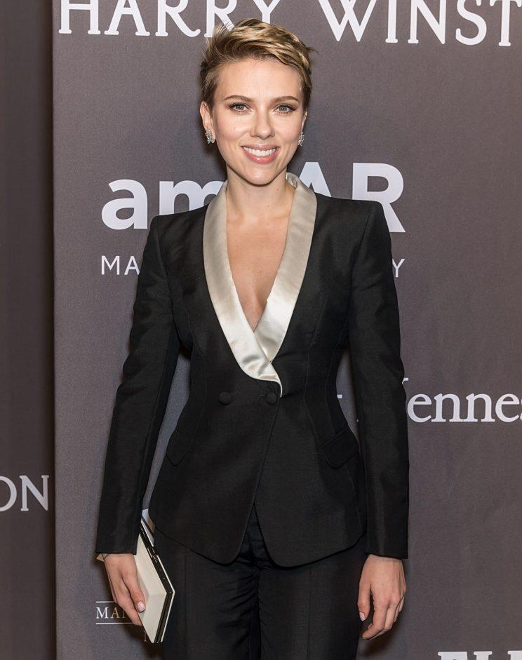 Scarlett Johansson attends the amfAR New York Gala on Feb. 8. (Photo: Getty Images)