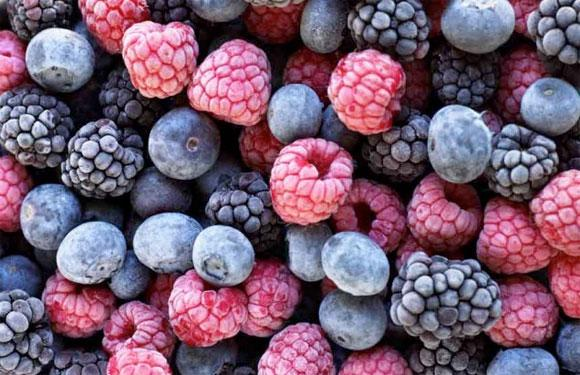 <strong>1. Frozen Berries:</strong><br />You may not find berries in all seasons, but you would always play safe by buying frozen berries. Not only good for your health, they can actually work you over by their zingy flavour. Berries can also be added to other food items to enhance the taste.