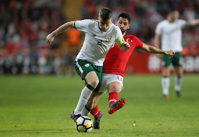 Soccer Football - International Friendly - Turkey vs Republic of Ireland - New Antalya Stadium, Antalya, Turkey - March 23, 2018 Republic of Ireland's Seamus Coleman in action with Turkey's Emre Akbaba REUTERS/Murad Sezer