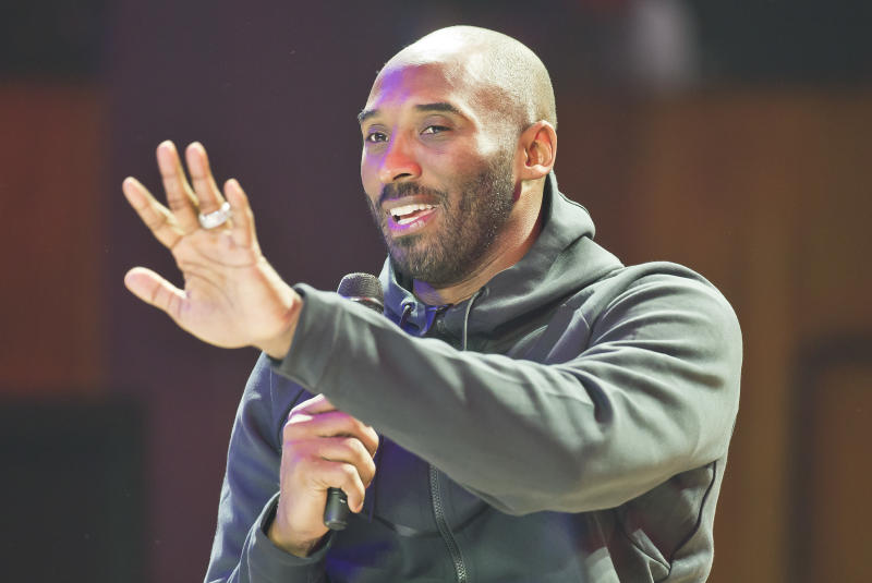 Philadelphia Eagles players bask in Kobe Bryant visit