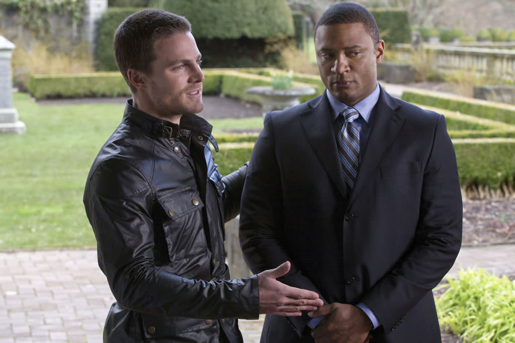"""Pilot"" -- Stephen Amell as Oliver Queen and David Ramsey as Diggle"