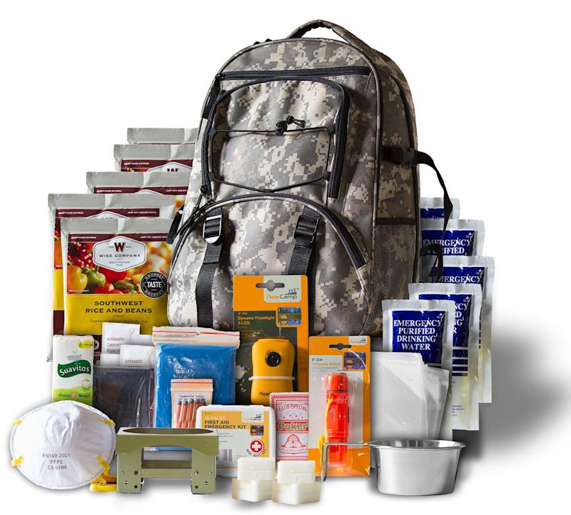 Emergency Survival kit  preparadness  equipment disaster Mayday bugout bag gear