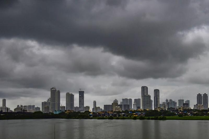 Heavy Rains Continue to Lash Mumbai and Konkan, IMD Issues Yellow Alert For Today