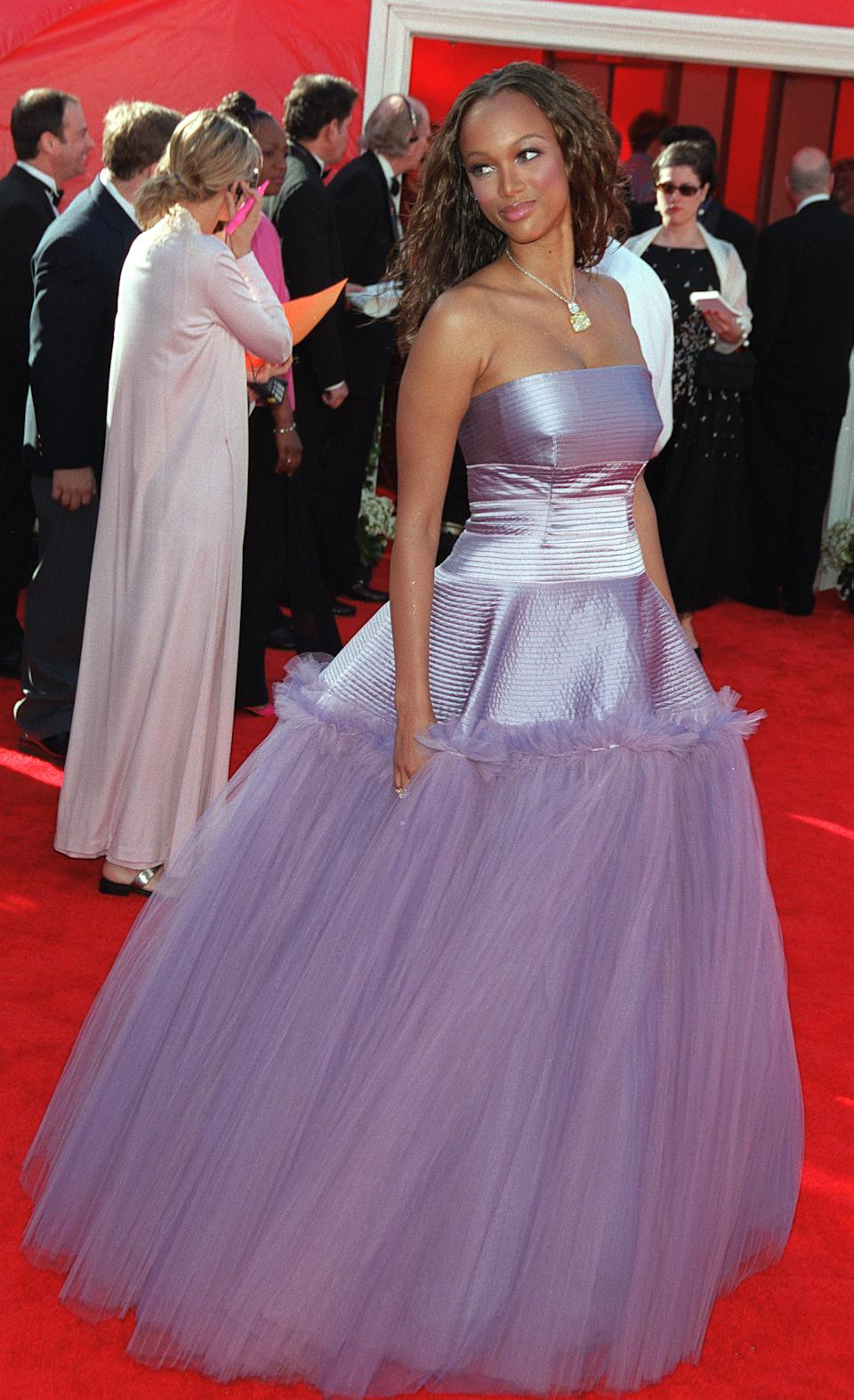 <p>Not even one of the biggest supermodels of all time could pull off the purple taffeta and crinoline gown which was panned by fans and fashion critics alike.</p>