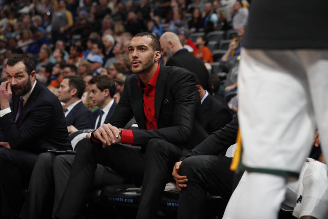 "<a class=""link rapid-noclick-resp"" href=""/nba/players/5197/"" data-ylk=""slk:Rudy Gobert"">Rudy Gobert</a> shot back at a Fox News host for defending Donald Trump's immigration remarks. (AP Photo/David Zalubowski)"