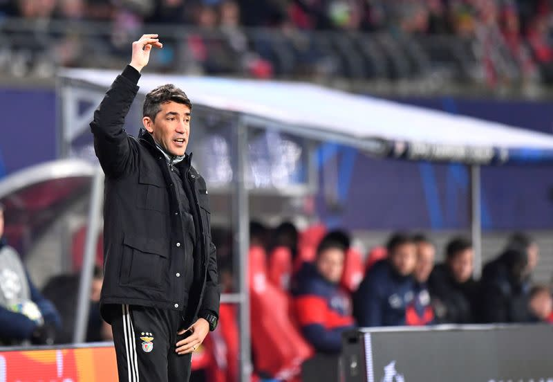 Benfica negotiating to end coach Lage's contract