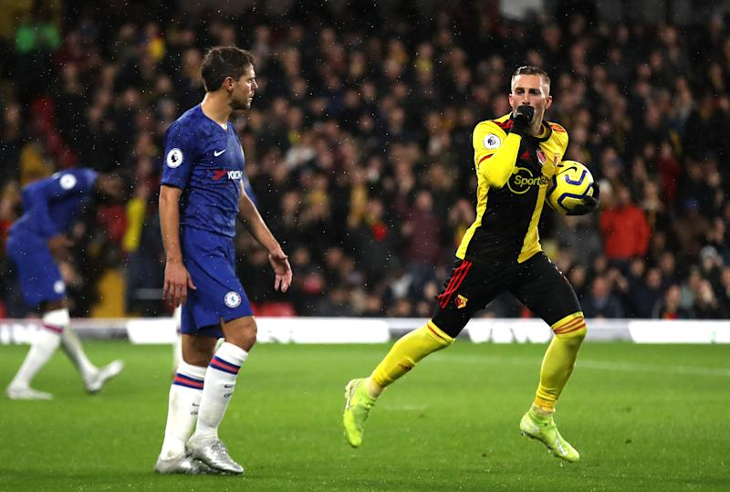 WATFORD, ENGLAND - NOVEMBER 02: Gerard Deulofeu of Watford celebrates after scoring his team's first goal during the Premier League match between Watford FC and Chelsea FC at Vicarage Road on November 02, 2019 in Watford, United Kingdom. (Photo by Christopher Lee/Getty Images)