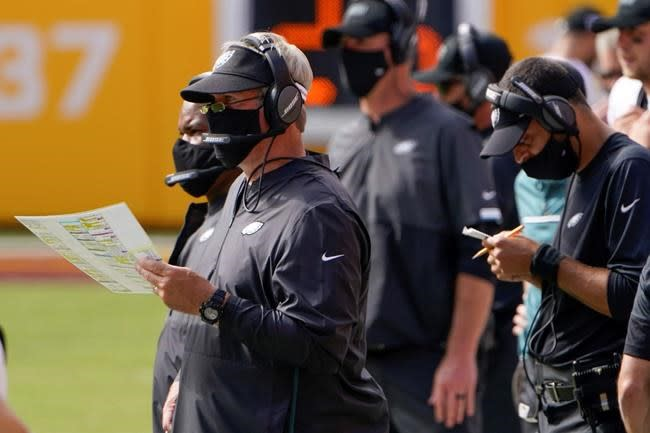 NFL reminds teams to follow sideline rules on face coverings