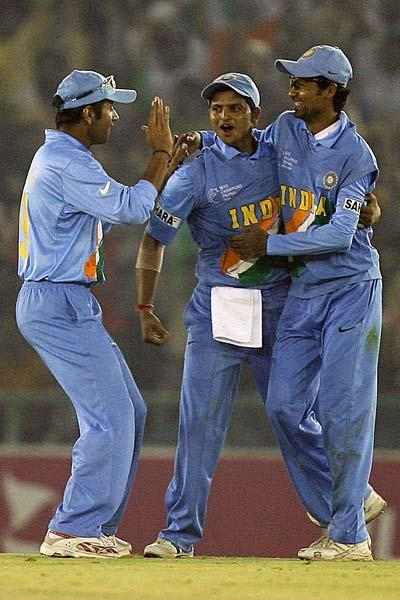 During Dravid's captaincy the Indian team broke the record for most consecutive ODIs won while batting second. For this 17 match run, Dravid was the captain for 15 matches and Sourav Ganguly was the captain for the other two