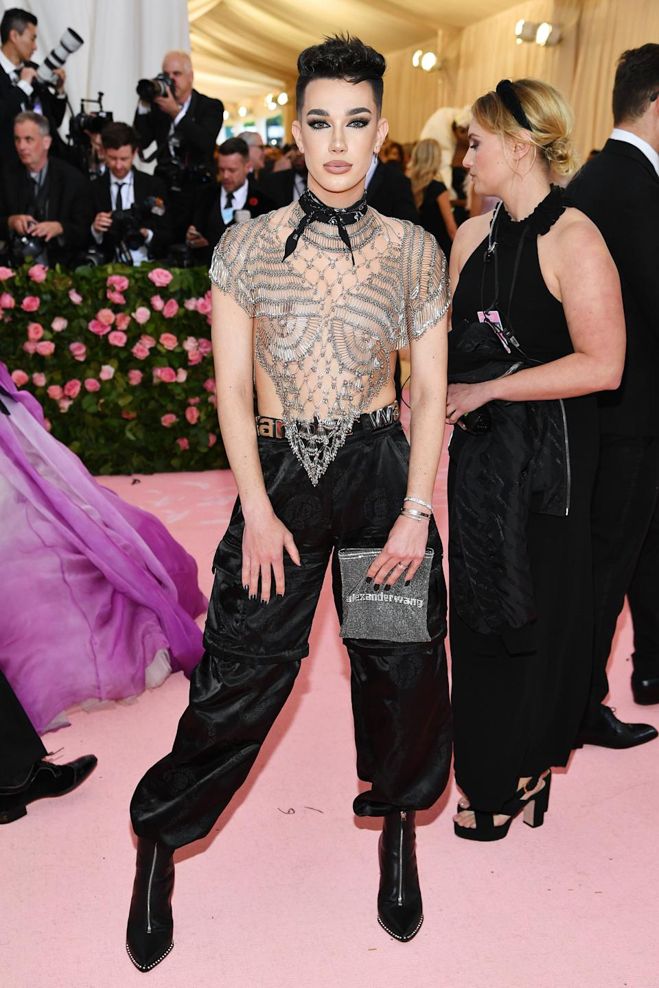 """<h1 class=""""title"""">James Charles in Alexander Wang</h1><cite class=""""credit"""">Photo: Getty Images</cite>"""