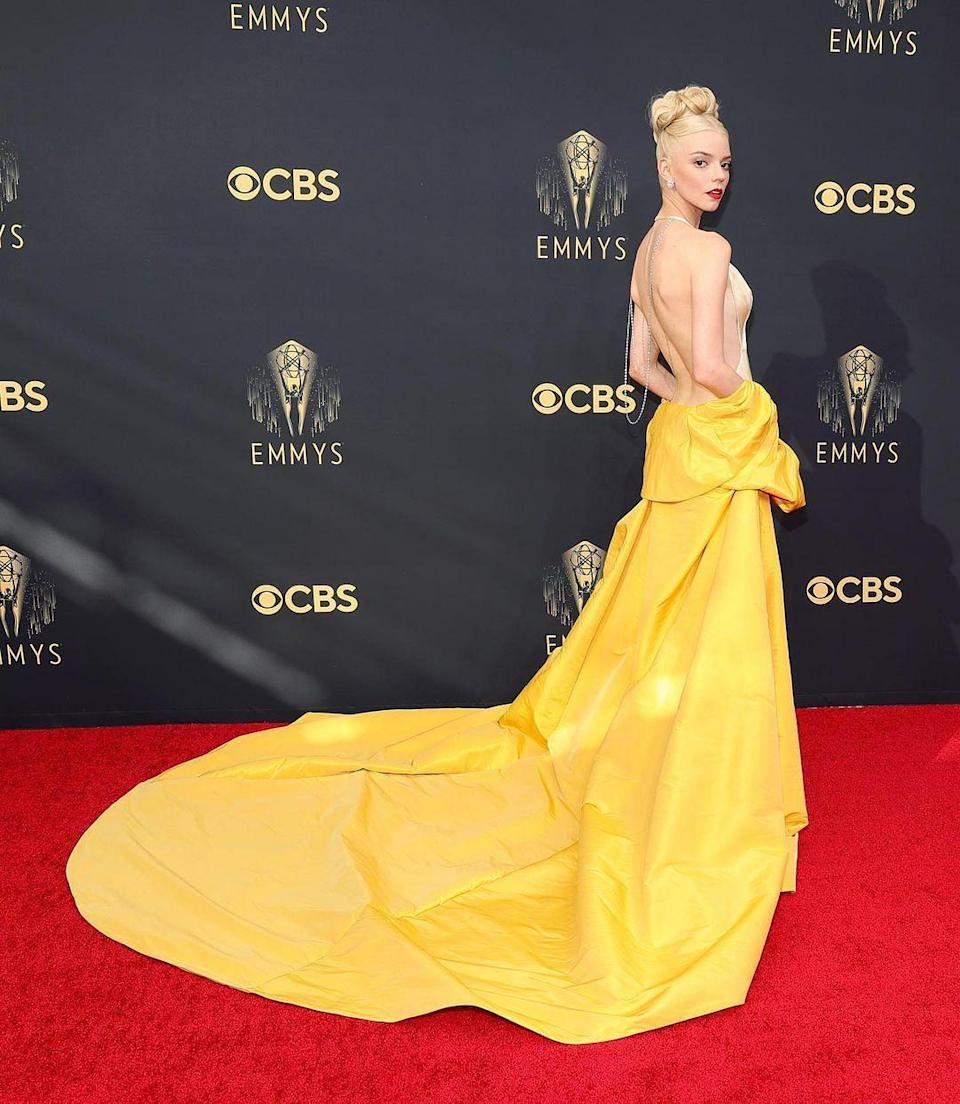 """<div class=""""paragraphs""""><p><em>The Queen's Gambit</em> actor Anya Taylor Joy stuns in a Dior outfit.</p></div>"""