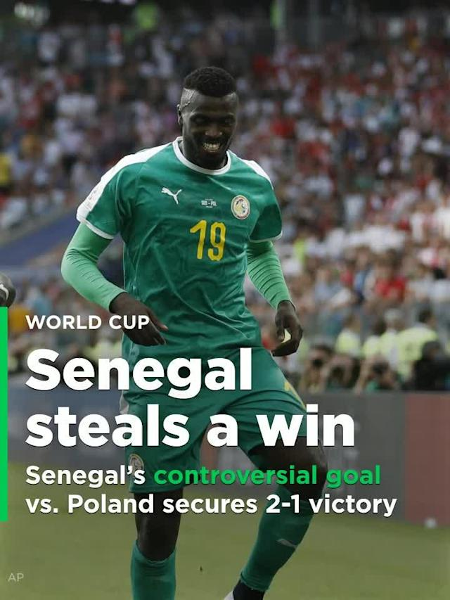 Senegal's M'Baye Niang scored a very bizarre goal that helped Senegal secure a 2-1 victory over Poland.