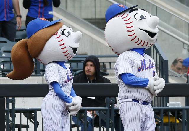 "<a class=""link rapid-noclick-resp"" href=""/mlb/teams/nym/"" data-ylk=""slk:New York Mets"">New York Mets</a> mascots Mrs. Met and Mr. Met during a game at Citi Field. (Getty)"