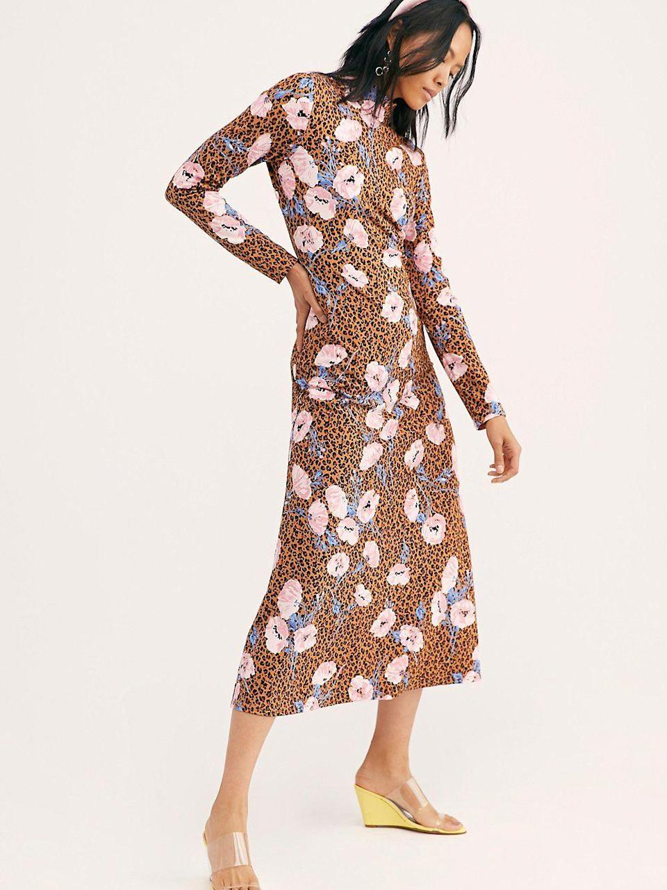 "<p><strong>Free People</strong></p><p>freepeople.com</p><p><strong>$148.00</strong></p><p><a href=""https://go.redirectingat.com?id=74968X1596630&url=https%3A%2F%2Fwww.freepeople.com%2Fshop%2Fretro-romance-midi-dress%2F&sref=https%3A%2F%2Fwww.cosmopolitan.com%2Fstyle-beauty%2Ffashion%2Fg32972452%2Finterview-outfit-ideas%2F"" rel=""nofollow noopener"" target=""_blank"" data-ylk=""slk:Shop Now"" class=""link rapid-noclick-resp"">Shop Now</a></p><p>Not all interviews are the same, so if you're going into one that's geared more towards fashion or a creative field, sometimes risks pay off. Wow them with a floral and leopard-print dress, yellow wedges, and a trendy headband to show them your personality. </p>"