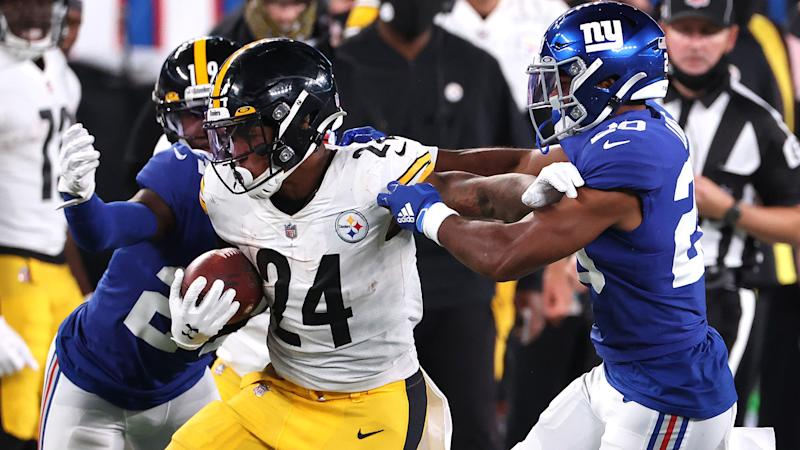 Benny Snell should be your top waiver priority in fantasy football. (Photo by Al Bello/Getty Images)