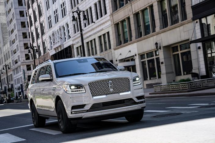 2020 Lincoln Navigator Reserve with Monochromatic Package.