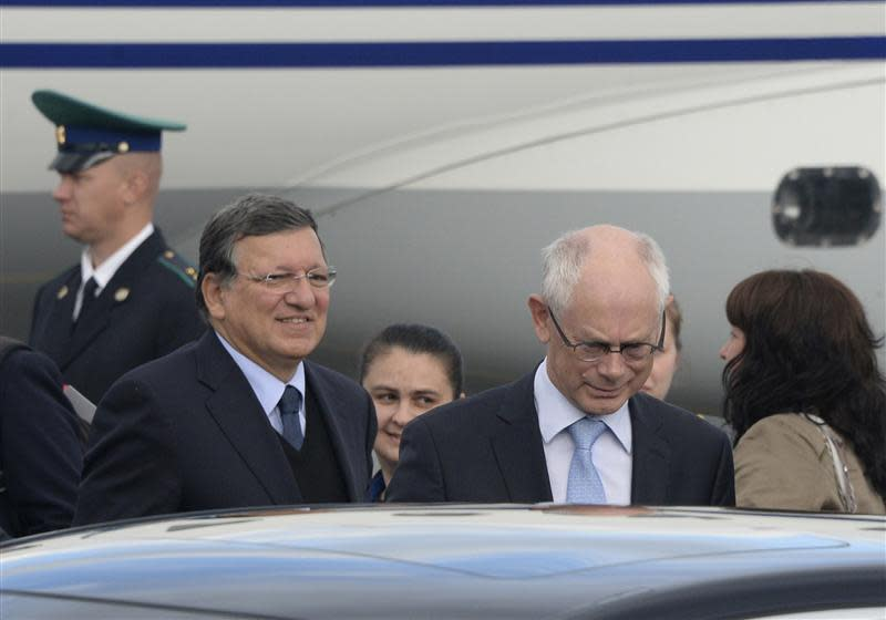 European Council President Herman Van Rompuy and European Commission President Jose Manuel Barroso arrive to take part in the G20 Summit in St. Petersburg