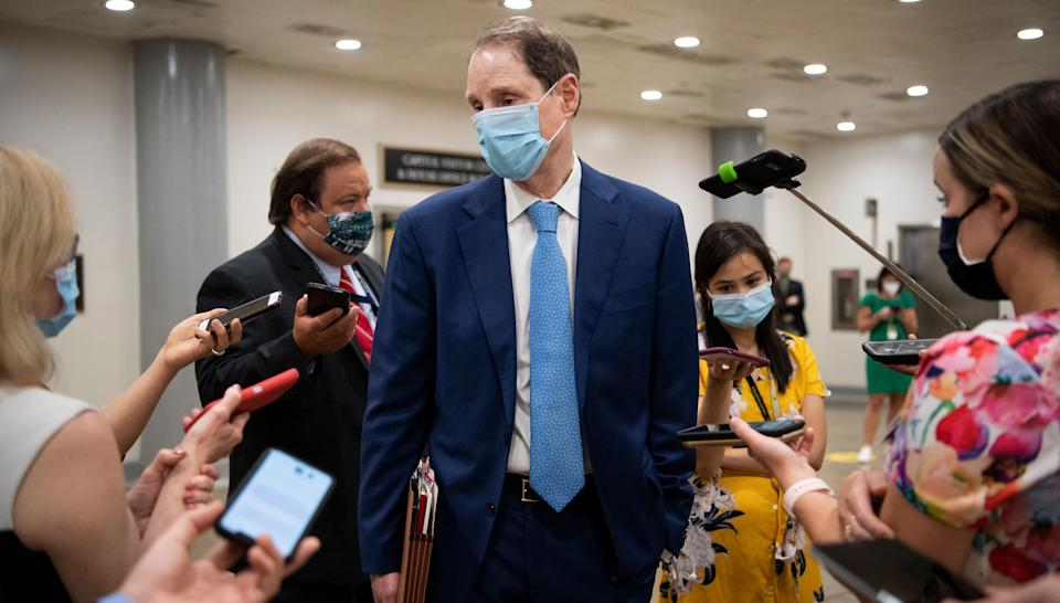 """Sen. Ron Wyden (D-Ore.) says the Trump administration has """"stonewalled"""" on help for workers who've lost jobs during the pandemic. (Photo: Caroline Brehman/CQ-Roll Call, Inc via Getty Images)"""