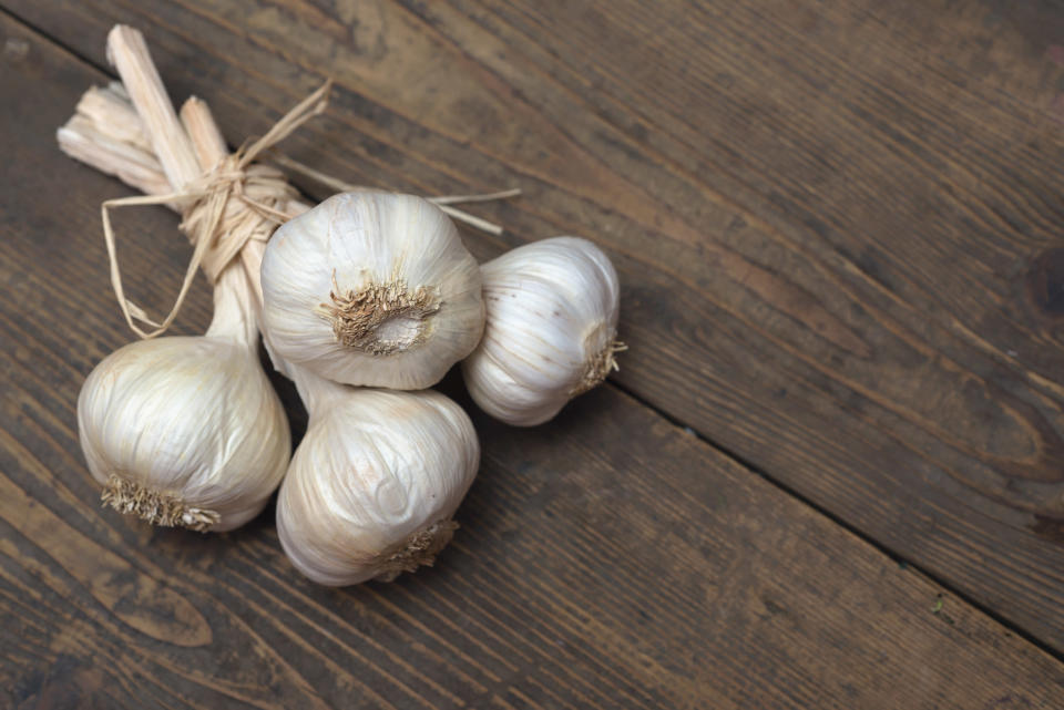 Garlic cloves are not an effective treatment for yeast infections [Photo: Getty]