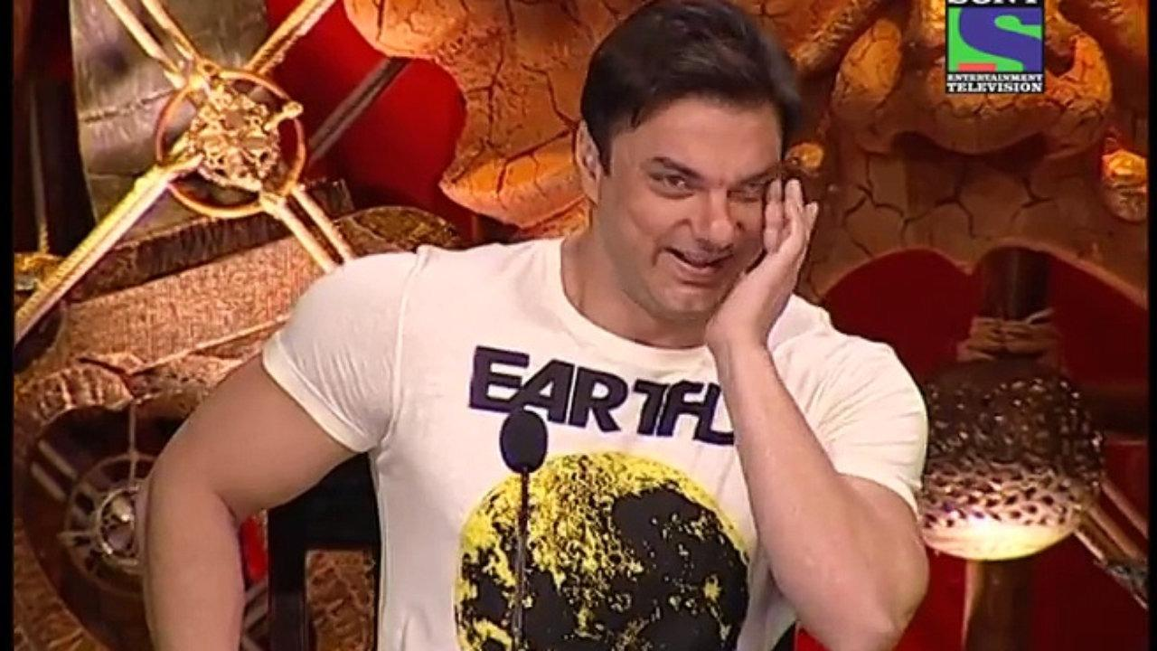 <p>We have shared laughs with Sohail Khan on many seasons of Comedy Circus. This was the very show that put Kapil Sharma's career in motion. But don't think that it didn't do much for the judge as Sohail took home a cheque of 7 lakhs for every episode spent laughing at the sets of the comedy show. </p>