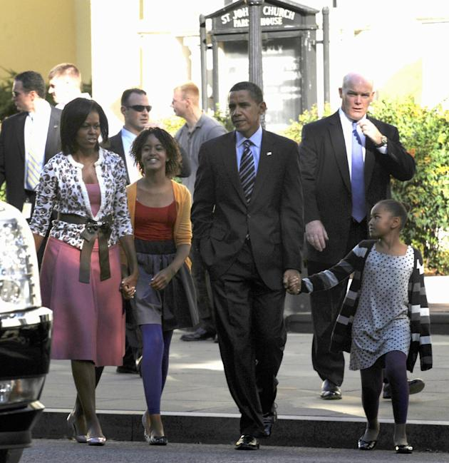 Clancy and the first family, Oct. 11, 2009 (AP Photo/Susan Walsh, File)