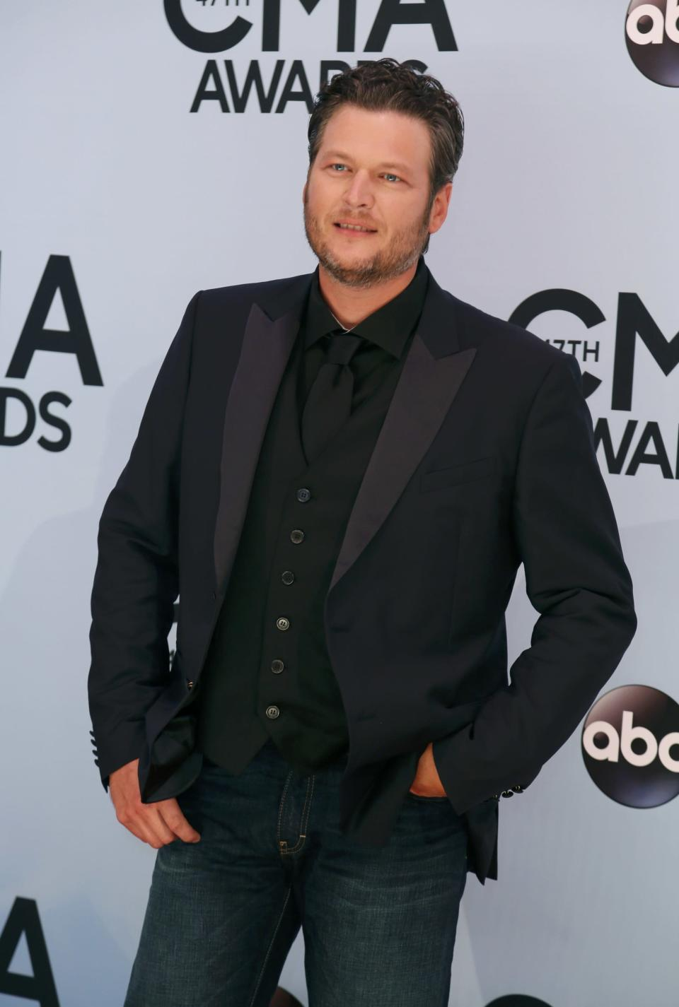 Singer Blake Shelton arrives at the 47th Country Music Association Awards in Nashville, Tennessee November 6, 2013. REUTERS/Eric Henderson (UNITED STATES - Tags: ENTERTAINMENT)