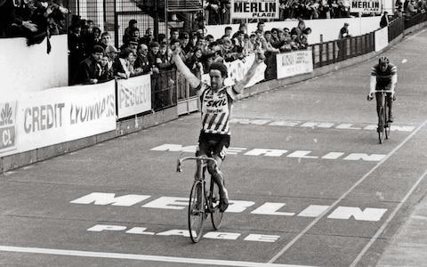 <span>Kelly wins the his first of his two Paris-Roubaix titles ahead of Rudy Rogiers in 1984</span> <span>Credit: REX FEATURES </span>