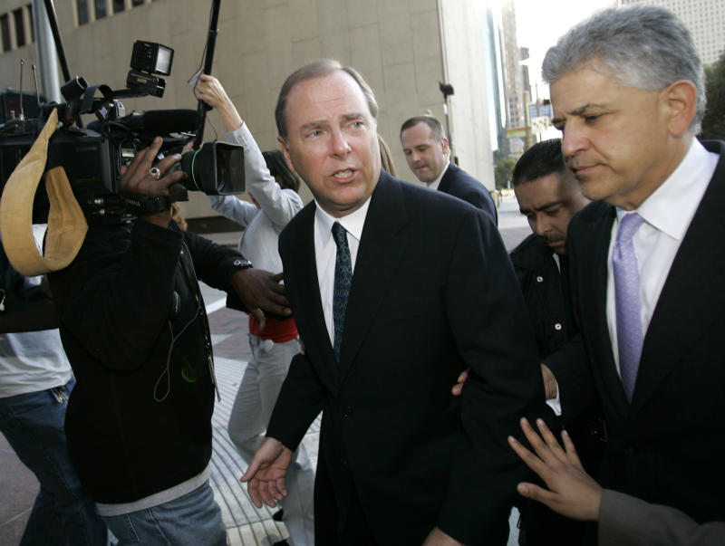 Enron's Skilling could see 10-year sentence cut