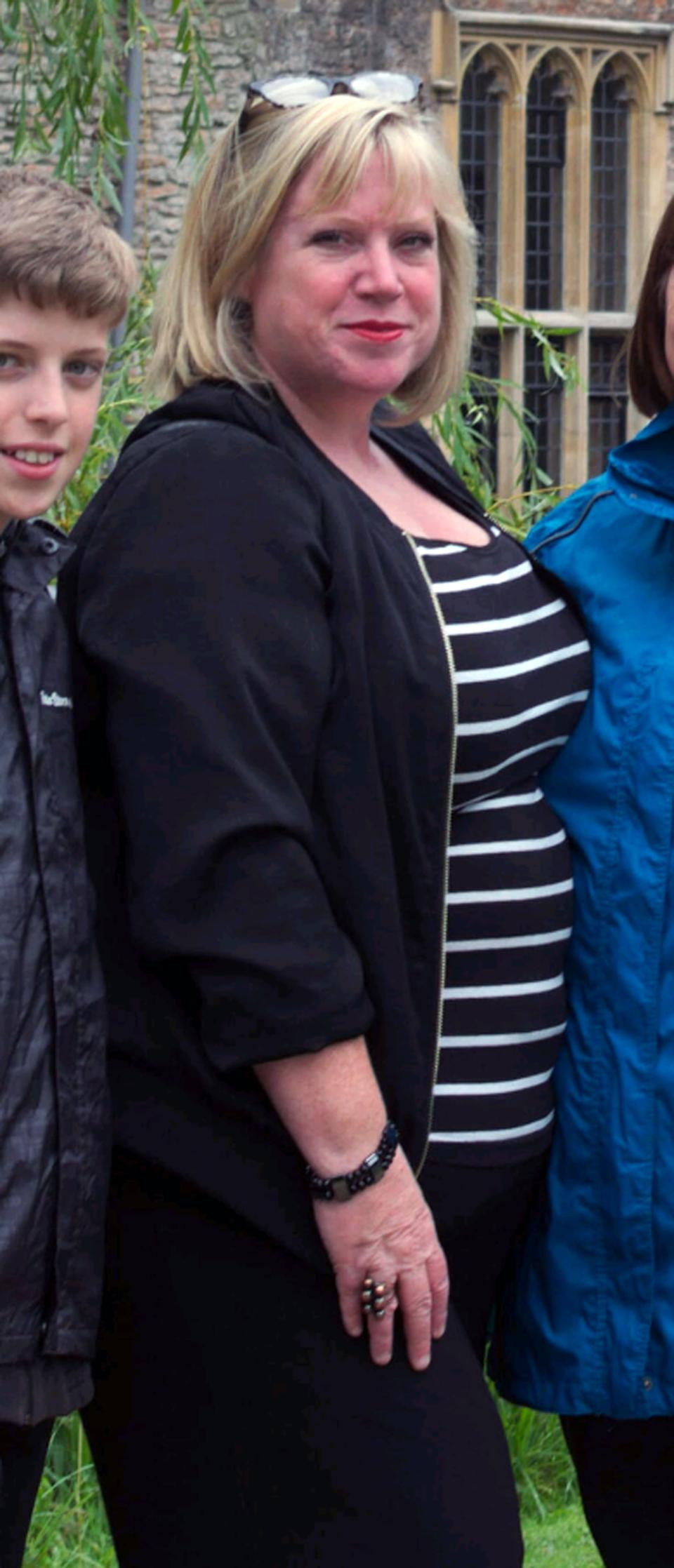 Paula Denyer weighed 19 stone at her mother's funeral [Photo: Caters]