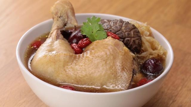 Hockhua Waist Tonic Chicken Soup with Chicken leg, mushrooms, and white fungus