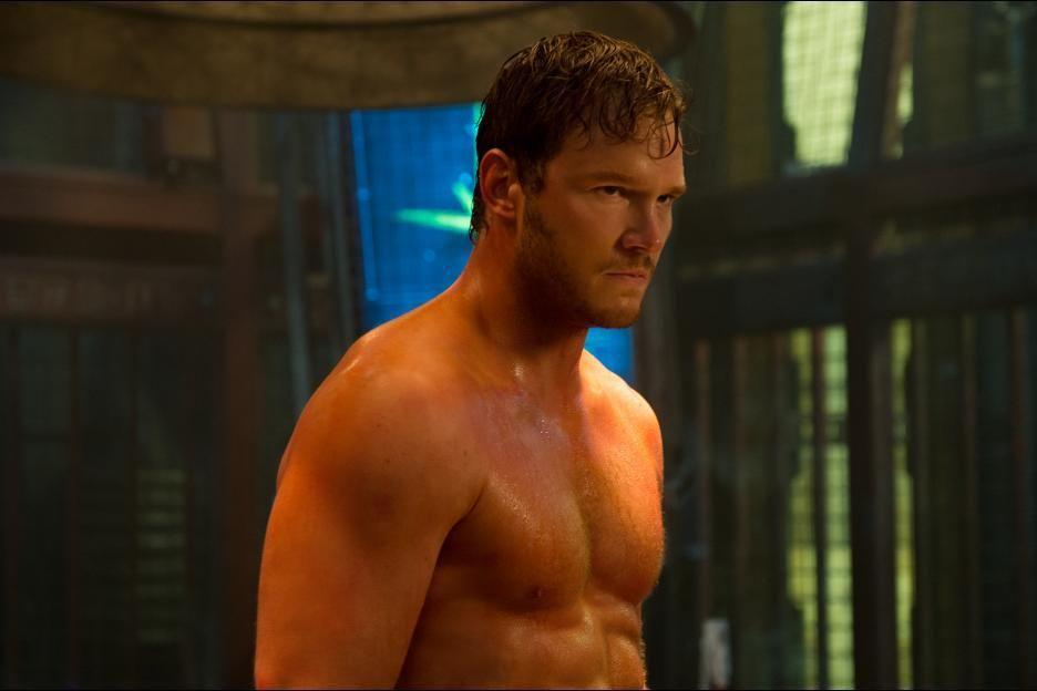 "<p>Pratt reportedly hit the gym and changed his diet for the role.  ""I probably lost about 35lb in six weeks. I ran five or six miles a day. I ate leafy green salads and protein shakes. I cut out all alcohol. Trim, trim, trim,"" Pratt told <a href=""https://www.menshealth.com/uk/building-muscle/a758824/5-tricks-that-helped-chris-pratt-get-shredded/"" target=""_blank"">Men's Health UK</a>. </p>"