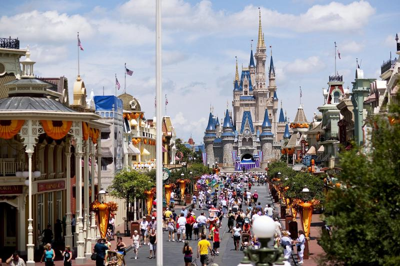 Runner Collapses and Dies During Walt Disney World Resort Fall Feast 5K Race