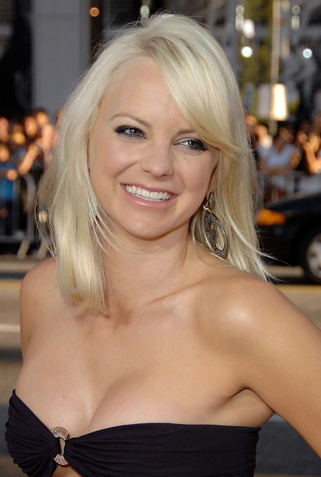 "<a href=""http://movies.yahoo.com/movie/contributor/1800506130"">Anna Faris</a> at the Los Angeles premiere of <a href=""http://movies.yahoo.com/movie/1810025224/info"">Observe and Report</a> - 04/06/2009"
