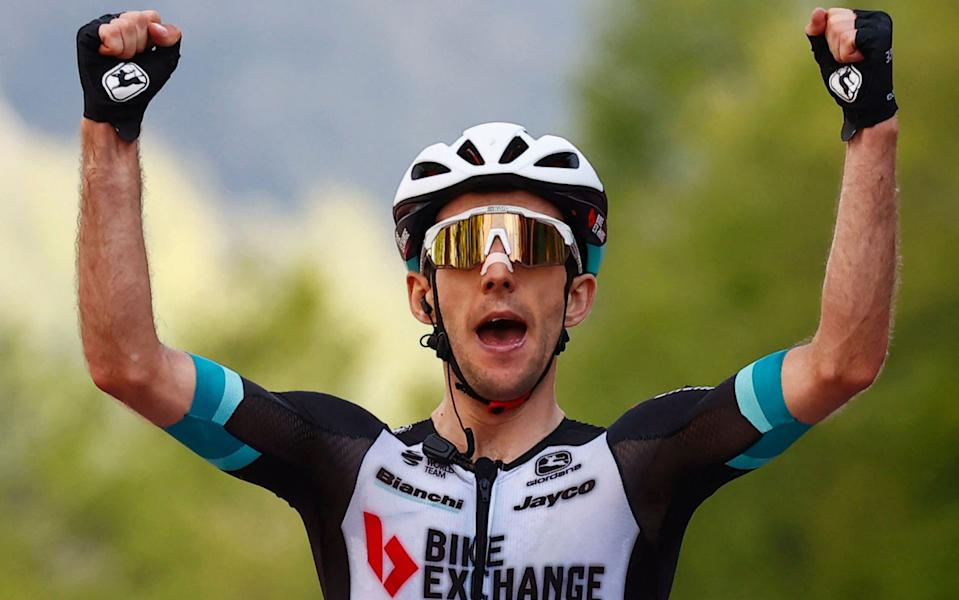 Simon Yates hits out to win on summit finish as Egan Bernal survives to extend lead at Giro d'Italia - GETTY IMAGES