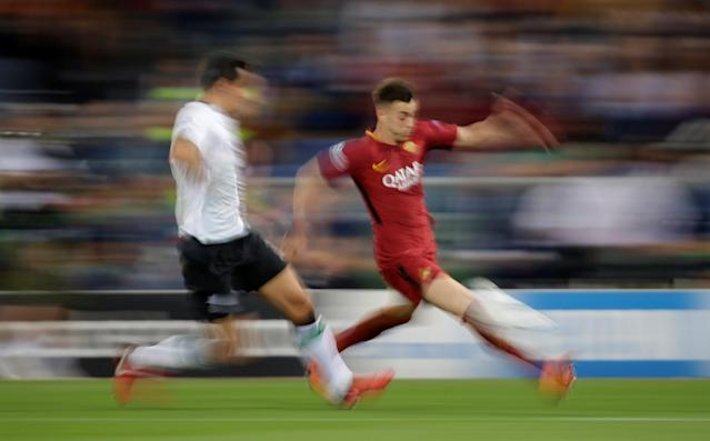 Soccer Football - Champions League Semi Final Second Leg - AS Roma v Liverpool - Stadio Olimpico, Rome, Italy - May 2, 2018 Roma's Stephan El Shaarawy in action with Liverpool's Dejan Lovren REUTERS/Max Rossi