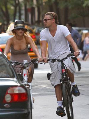 The pair take their romance to the streets, with a mid-day bike ride through NYC.