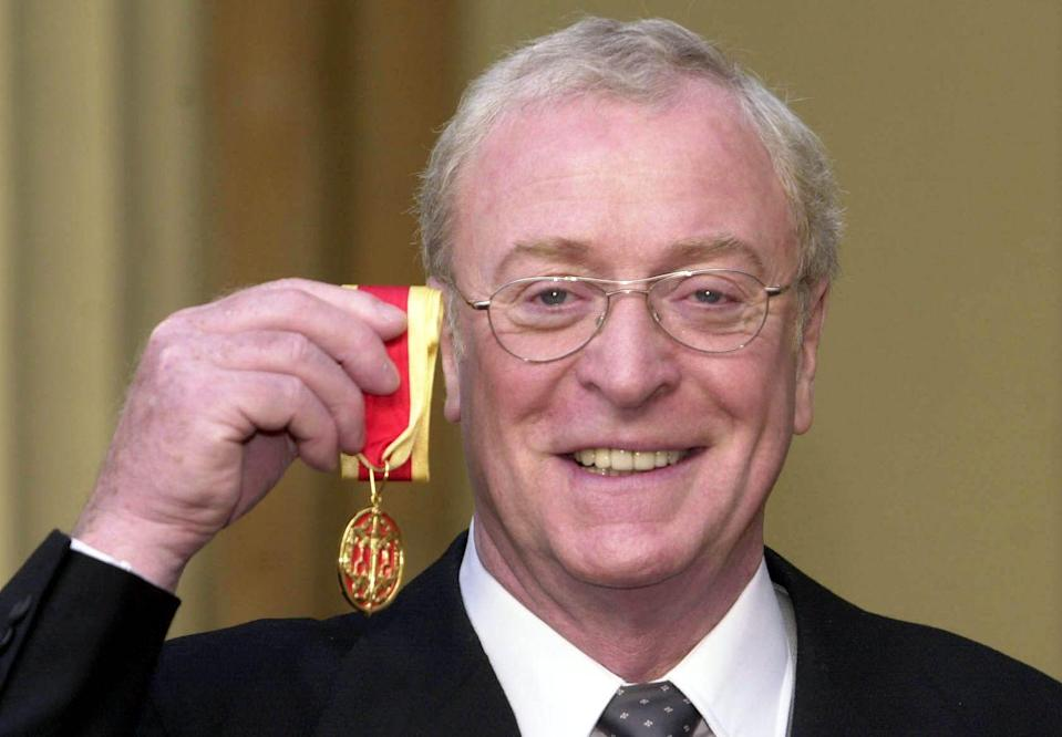 <p>Queen Elizabeth honored Caine with a knighthood in 2000.</p>