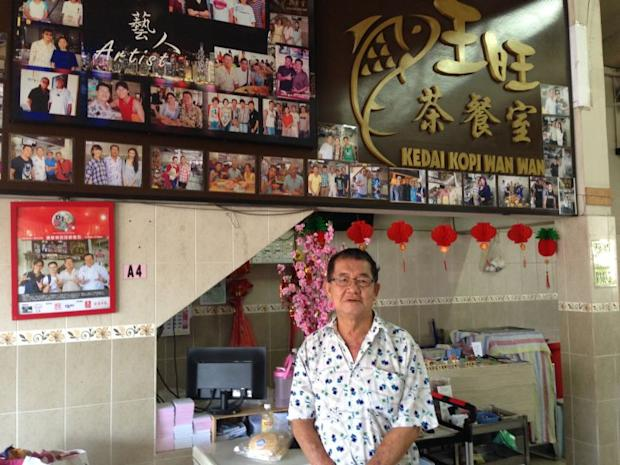 Simon Teng, owner of the popular Kedai Kopi Wan Wan which serves fish noodles to all layers of the community for the last 18 years with much success, says there was no reason to change things up now.