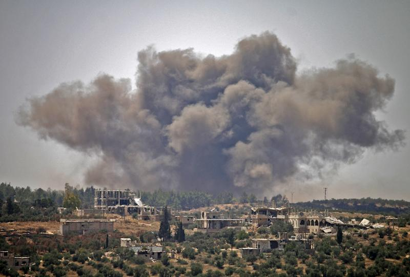 Airstrikes pound southern Syria, causing thousands to flee